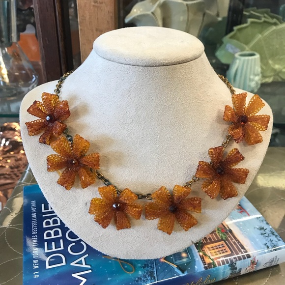 Vintage Jewelry - Lacey Hard Plastic Flower Vintage Necklace